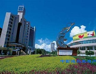 防城港东兴金滩大酒店位于东兴市京岛旅游度假区内
