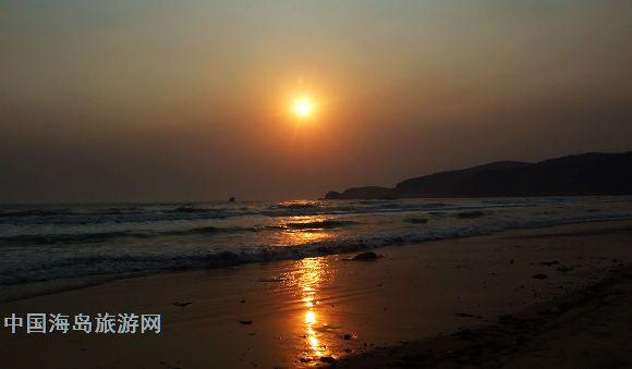 中国海岛旅游网 大连海岛 西中岛 西中岛旅游 >> 正文  收费标准: 198
