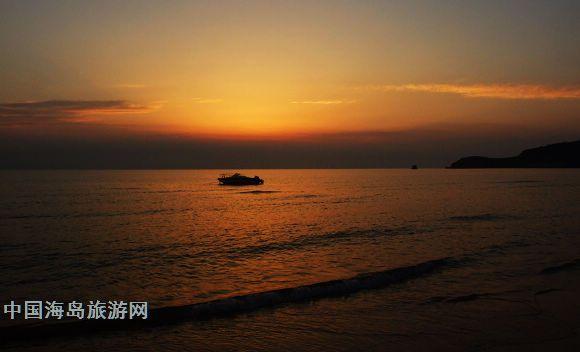 大连海岛 石城岛 石城岛度假村 >> 正文    ·西中岛旅游,一次完美